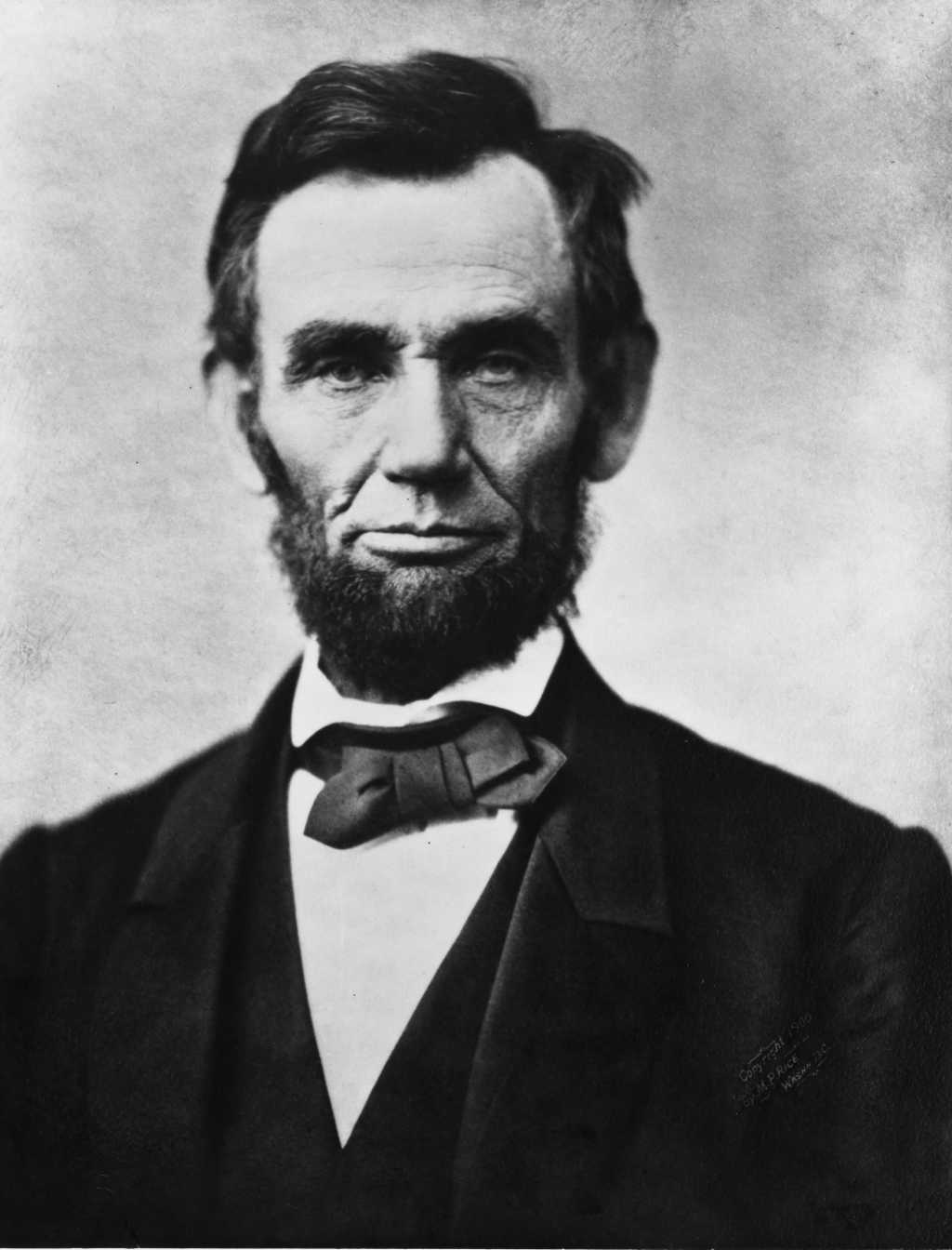 http://fathurrahmano.files.wordpress.com/2010/11/abraham_lincoln1.jpg